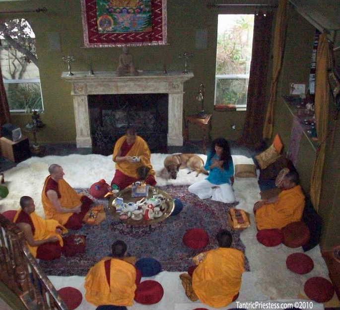 Tibetan monks_tantra talks